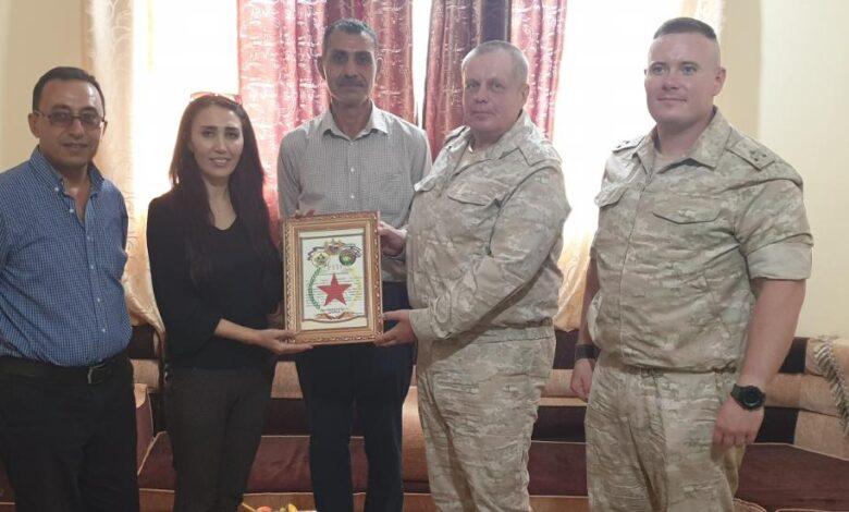 Photo of وفد قيادي من الجيش الروسي في اقليم الفرات يزور PYD