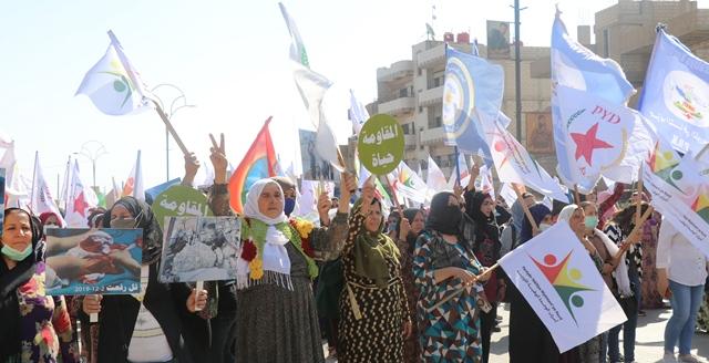 Photo of الآلاف من أهالي قامشلو يتظاهرون تنديداً للاحتلال.. ومسلم وحسين يؤكدان على ضرورة الوحدة الوطنية