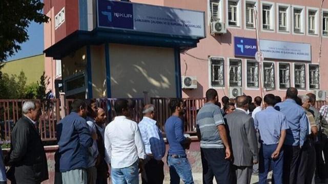 Photo of تدهور الاقتصاد جعل الملايين من المواطنين عاطلين عن العمل في تركيا