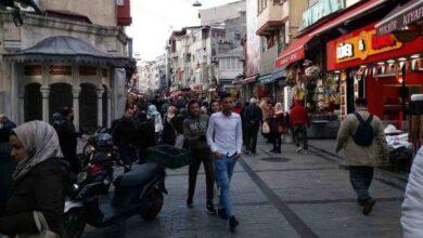 Photo of عائلة سورية لاجئة تتعرض لاعتداء عنصري في أزمير بتركيا
