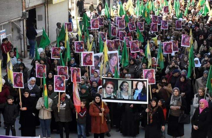 Photo of أهالي حلب يستذكرون شهيدات مجزرة باريس