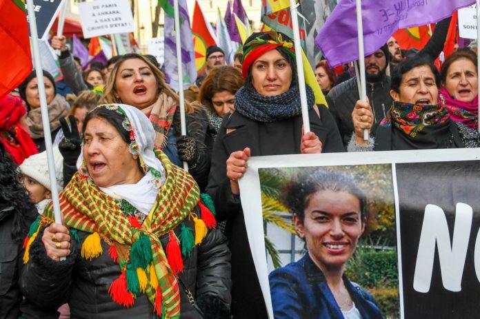 Photo of صحفية فرنسية: إذا كانت فرنسا تريد استعادة ثقة الكرد, فماذا عليها أن تفعل؟