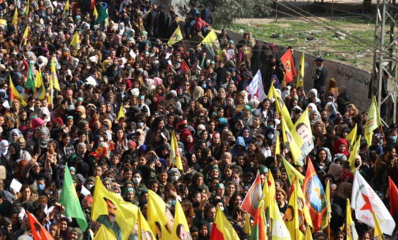Photo of الآلاف في قامشلو يطالبون المجتمع الدولي تحرير القائد الأممي اوجلان