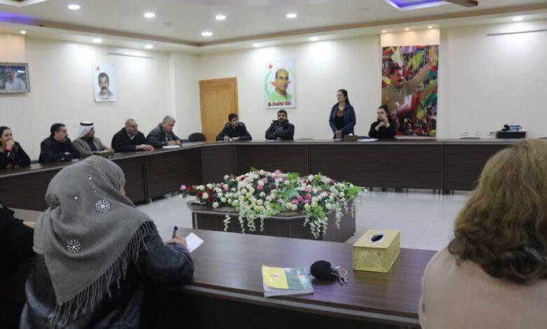Photo of مجلس المرأة في الـ PYD ينظم محاضرة عن نظام الرئاسة المشتركة