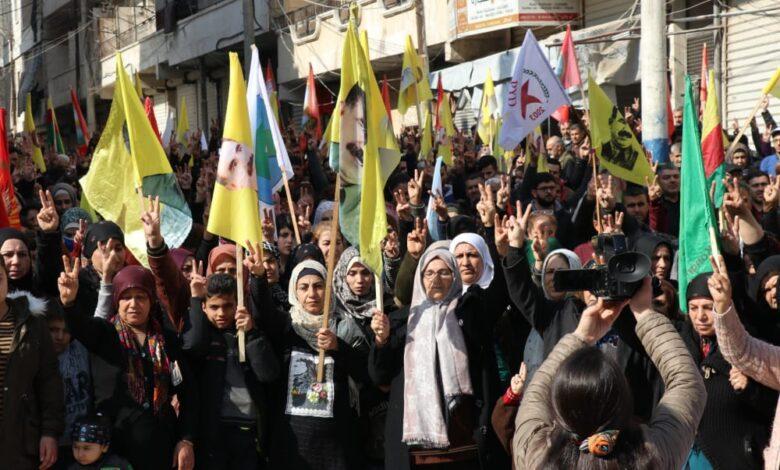 Photo of أهالي حي الشيخ مقصود ينددون بالهجمات التركية على كاري