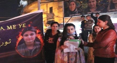 Photo of اتّحاد المرأة الشابة ينظّم مسيرة بالمشاعل بمناسبة اليوم العالمي للمرأة