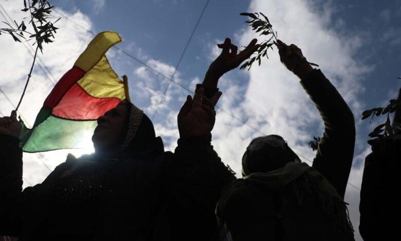 Photo of أهالي قامشلو ينتفضون في الذكرى الثالثة للاحتلال التركي لعفرين