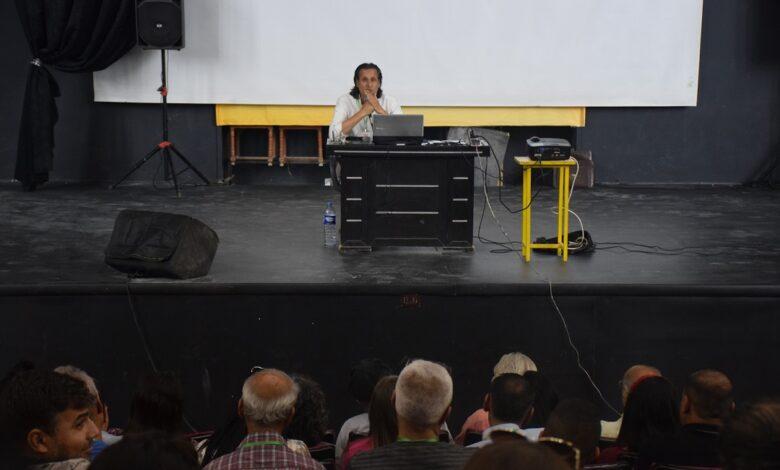 "Photo of ""قراءة نقدية في تجربة الفنان زهير حسيب"".. أولى محاضرات ملتقى روجآفا الثالث"