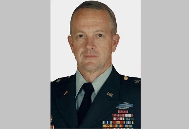 Photo of 124جنرال أمريكي : أمتنا في خطر وقيمنا التاريخية على المحك