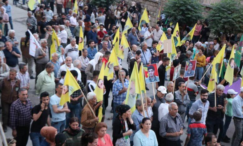 Photo of مظاهرات حاشدة في حلب تنديداً بهجمات الاحتلال التركي على المنطقة