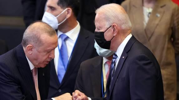 """Photo of بلومبيرغ الأميركية: على إدارة بايدن """"قطع شعرة الود المتبقية""""مع تركيا"""
