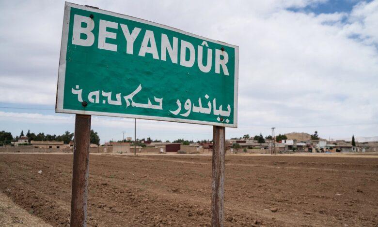 Photo of موقع فرنسي يوضح دور قرى روج آفا في ترسيخ الإدارة الذاتية (قرية بياندور)