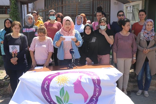 Photo of وقفة المرأة الحرة في سوريا تستنكر جرائم قتل النساء