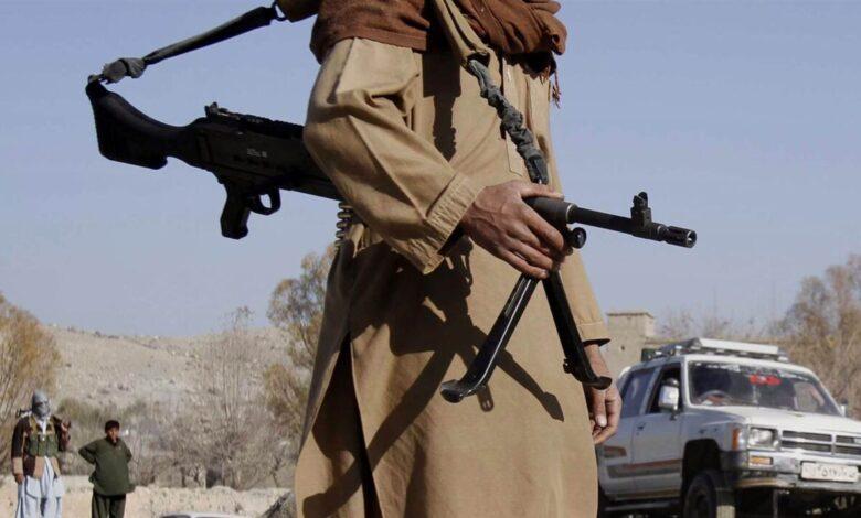 Photo of طالبان تسيطر على المدن الكبرى وبايدن يدافع عن قرار الانسحاب