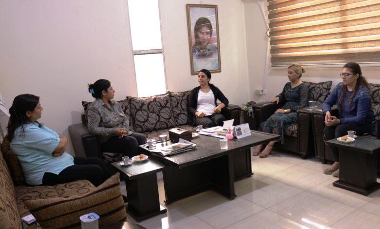 Photo of وفد من علاقات المرأة في الـ PYD يزور مكتب المرأة في MSD
