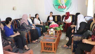 Photo of وفد من علاقات مجلس المرأة في الـ PYD يلتقي مع نساء الأحزاب بناحية تربسبية