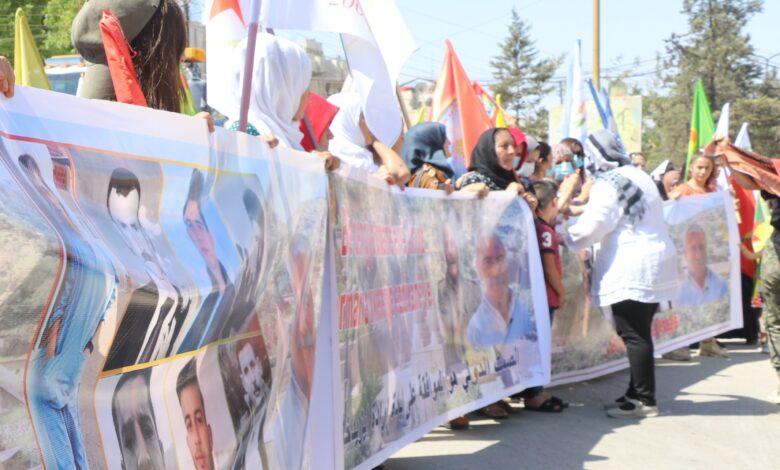 Photo of الآلاف من سكان شمال شرق سوريا ينددون بالعدوان التركي على المنطقة