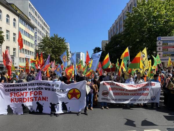Photo of الكردستانيون يتظاهرون في دوسلدورف ضد هجمات الاحتلال التركي