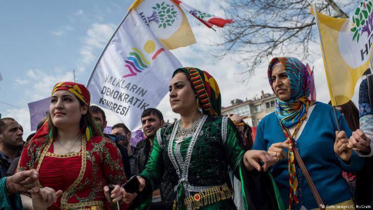 Photo of الإجراءات التركية المناهضة للكرد تنتهك الحرية الدينية