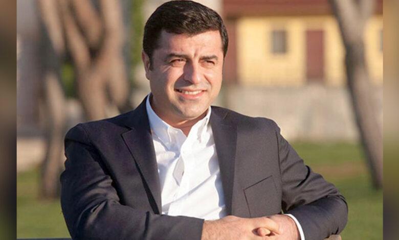 Photo of دميرتاش يدعو أحزاب المعارضة إلى عدم إضاعة الفرصة للفوز بالديمقراطية