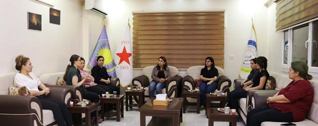 Photo of وفد من مؤتمر ستار يزور مركز حزبنا في قامشلو