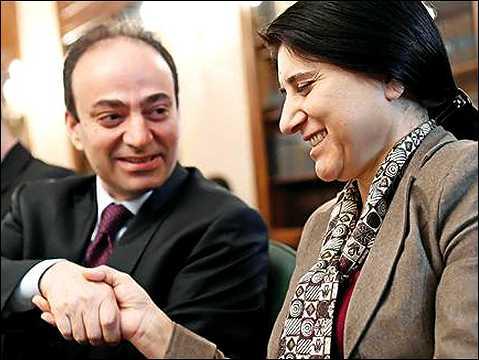 Photo of سياسيون كرد من داخل المؤتمر الوطني الكردستاني يشددون على تحقيق الوحدة الكردية