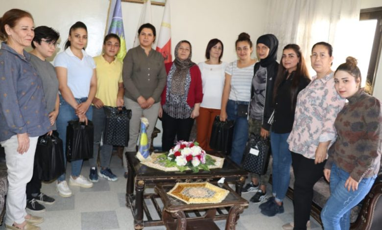 Photo of حلب .. مجلس المرأة في الـ PYD يكرّم فريق السيدات بنادي برخدان